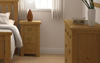 Cheltenham Oak Compact Bedside Table