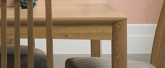 Brecon Oak 2-4 Seat Extending Dining Table