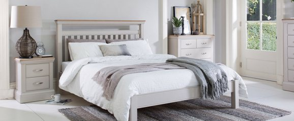 Chateau 135cm Bedstead