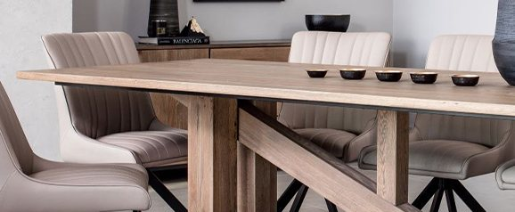 Maxi Dining Table