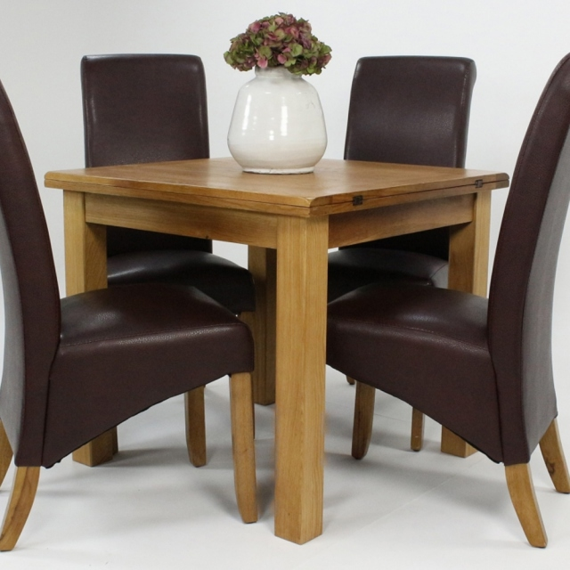Prime Cheltenham Oak Compact Square Extending Table Set With 4 Maine Chairs Beutiful Home Inspiration Ommitmahrainfo