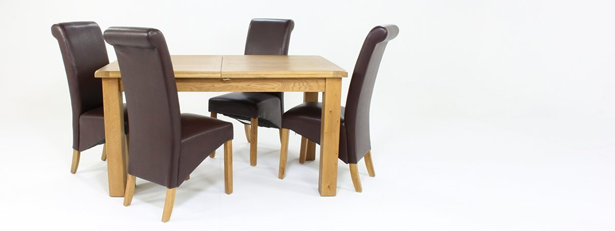 Marvelous Cheltenham Oak Small Extending Dining Table With 4 Maine Chairs Beutiful Home Inspiration Ommitmahrainfo
