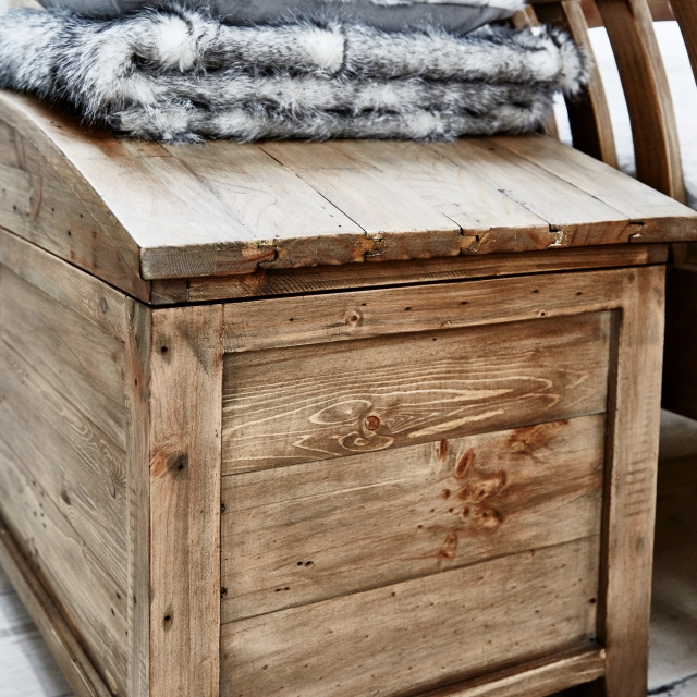 Breeze Blanket Chest FSC Certified